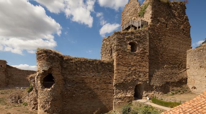Le château de Talmont (Talmont Saint-Hilaire, Vendée, 85). Histoire et perspectives de recherches