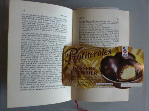 Carton d'emballage publicitaire inséré dans Intermezzo de Jean Giraudoux.